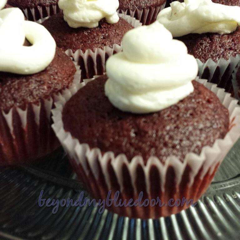red velvet cake, super bowl dessert, cupcakes, Duncan Hines