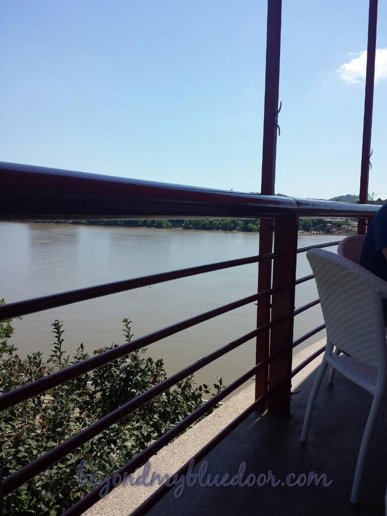 travel, travel blogger, things to do in Cincinnati, places to eat in Cincinnati, scenic places to eat in Cincinnati, Montgomery Inn