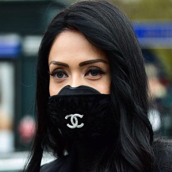 mascarilla de Chanel