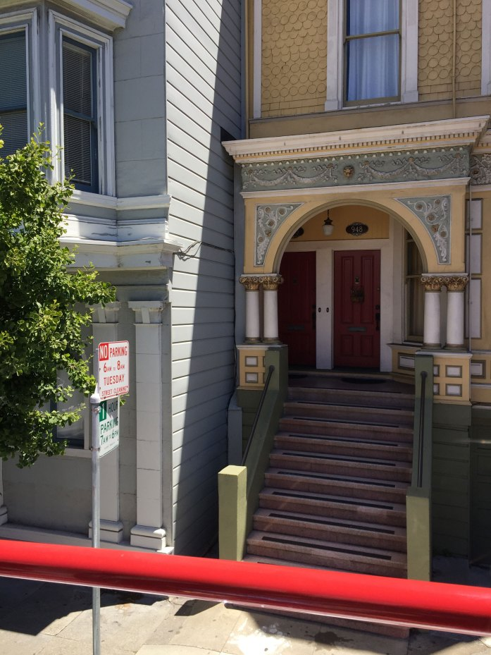 Portal de una casa antigua en San Francisco