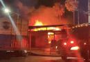 El Salvador: Bomberos intentan controlar incendio en San Miguel