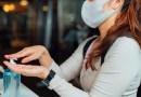 Algunas personas todavía necesitan usar mascarilla así estén vacunadas. ¿Eres una de ellas?