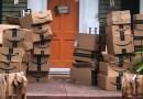 Una mujer recibió 150 paquetes de Amazon por error y decidió donarlo a hospitales locales