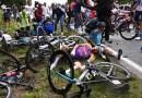 Autoridades francesas abren investigación después de que una aficionada del Tour de Francia provocara un gran accidente