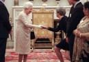 ANÁLISIS | Qué hacer (y qué no) cuando conoces a la reina Isabel
