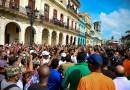 Las 5 cosas que debes saber este 12 de julio: Miles de personas protestan en Cuba