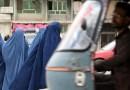 «Nadie se fía de nada que salga de la boca de los talibanes». Tres mujeres hablan sobre cómo es Afganistán bajo el gobierno del grupo militante