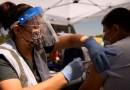 La tasa de vacunación de EE.UU. está en su nivel más alto en semanas, pero es posible se necesiten mandatos de uso de mascarillas y de vacunación