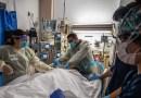 Adultos mayores y personas con enfermedades subyacentes tienen un riesgo mayor de padecer infección posvacunación grave