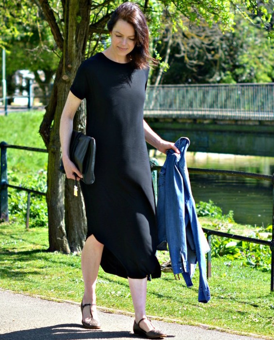 every-girl-needs-a-simple-t-shirt-dressblack-whistles-t-shirt-dress-1
