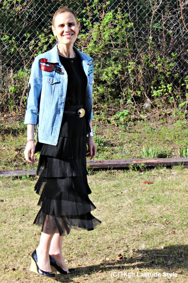 blackskirtshirt (1)