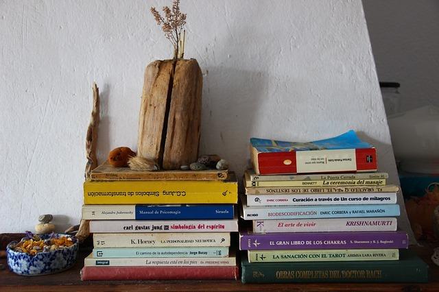 books-1035130_640