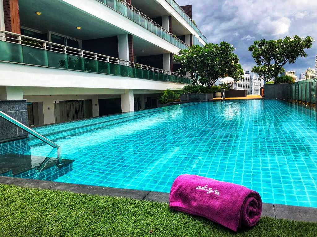 Piscina Akyra Thonglor