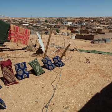 Campamento de refugiados saharauis: paisaje después de la tormenta