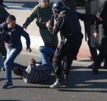 Brutal intervención de la policía marroquí contra la población saharaui, más de 30 heridos – Vídeos