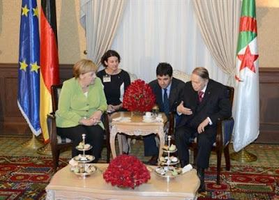 Merkel expresa su satisfacción por los pasos positivos dados por Horst Koehler para resolver el problema del Sahara Occidental.PoemarioSaharaLibre