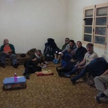 «Llevamos más de sesenta horas retenidos en Orán» – lavozdegalicia.es
