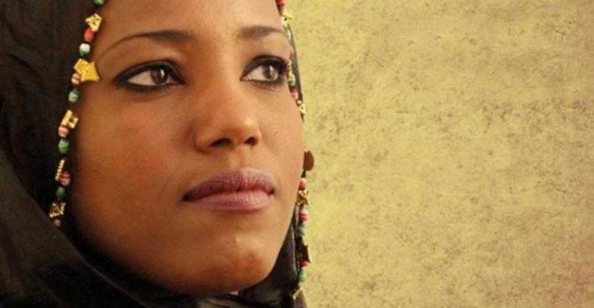 Sahara Occidental: carta abierta de EUCOCO a Jack Lang sobre la censura de Aziza Brahim en el IMA – El correo diplomático saharaui