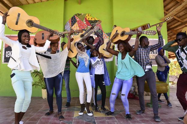 Guitarras que cambian vidas | Hoy