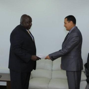 Nuevo embajador saharaui en Uganda presenta sus cartas credenciales como Embajador Extraordinario y Plenipotenciario | Sahara Press Service