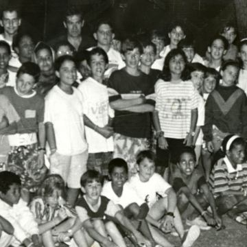 ¿TE ACUERDAS DE…? …Cuando en 1992 comenzó el programa Vacaciones en Paz para que las familias acogieran a niños saharauis –elcorreogallego