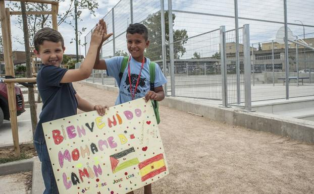 Un total de 137 niños saharauis disfrutarán el verano con familias extremeñas | Solidario – Hoy