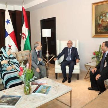 Llega a Panamá Brahim Galli, presidente de la República Árabe Saharaui Democrática, invitado a participar en los actos oficiales del nuevo gobierno