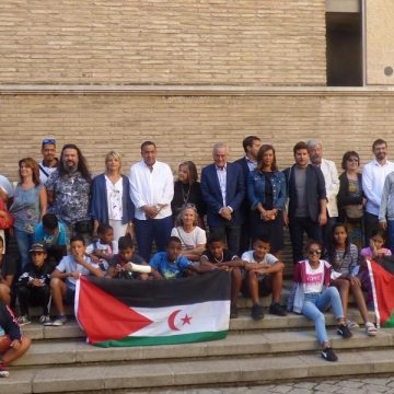 Los niños saharauis concluyen su estancia en Aragón visitando las Cortes de Aragón