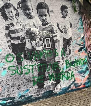 Atacan con mensajes racistas el mural de Gandia en favor de los saharauis – Levante-EMV
