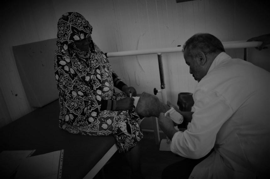 [Fotos] Así funciona un centro médico de prótesis en el desierto – Colombia Informa Medio Oriente