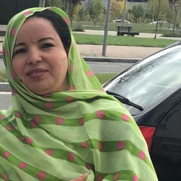 "Raabub Mohamed: ""Las mujeres saharauis somos la columna vertebral de esta lucha"""
