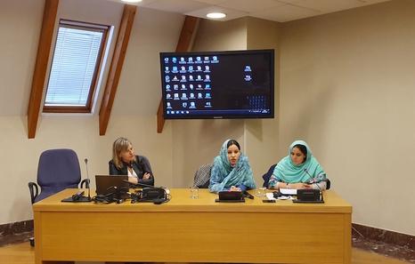 La periodista saharaui Nazha El-Khalidi denuncia la represión y el bloqueo informativo | Mundua | Naiz
