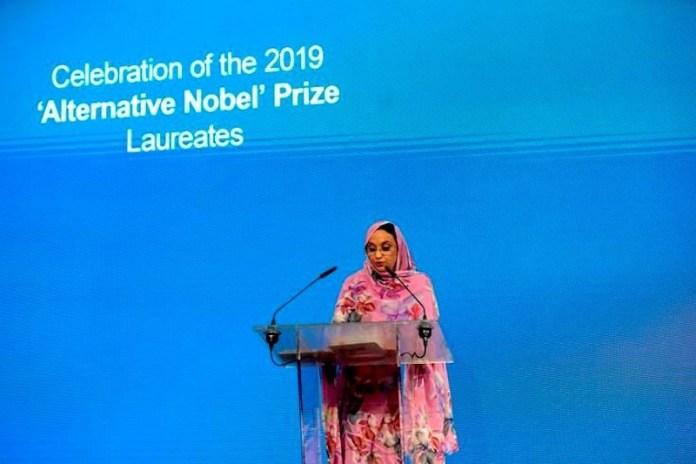 Aminetu Haidar en el acto de entrega del premio Right Livelihood a los Derechos Humanos