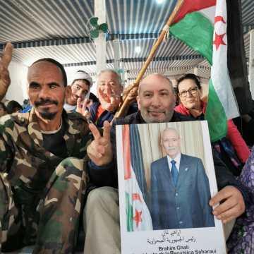 ACTUALIDAD | #AslMarhaba – sois valientes… el pueblo saharaui os admira… en la despedida saharaui a los viajeros solidarios a los campamentos  | presencia navarra