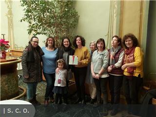 La Asociación de amigos del pueblo saharaui en el Alto Aragón (Alouda), da a conocer al ganador de la obra de la artista Ana Escar, 'Con tiza te escribí'