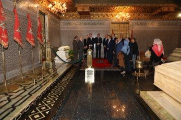 Generalitat Valenciana:  @ximopuig  participa en l'homenatge protocol·lari al Mausoleu de Mohammed V  |  #MásDeLoMismo