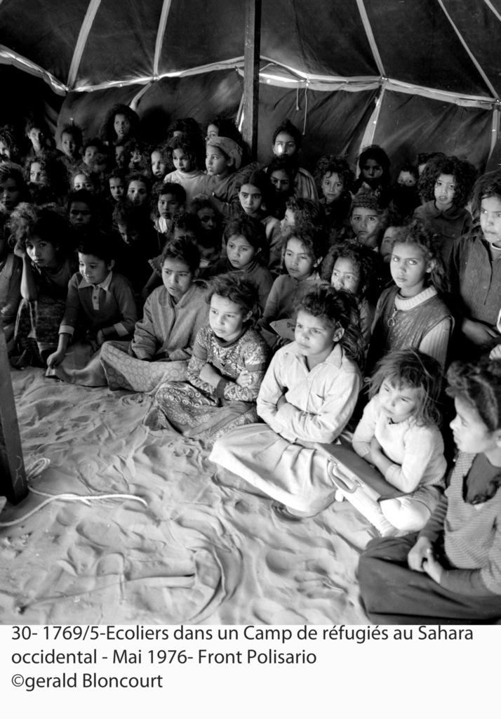 La lucha armada del Frente POLISARIO  contra las tropas marroquíes en el Sáhara Occidental | Fotos de Gérald Bloncourt (1976) | En conmemoración del 20 de mayo