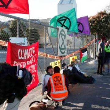 Extinction Rebellion protesta contra Ravensdown, empresa implicada en el expolio del fosfato saharaui – El Portal Diplomatico
