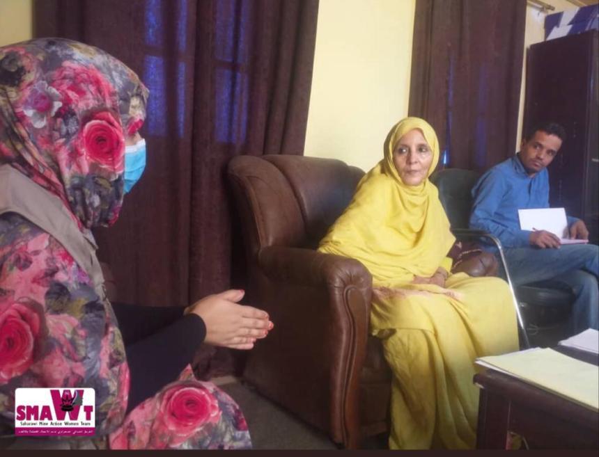 Ministra de Asuntos Sociales se reúne con el colectivo SMAWT para impulsar acciones en el ámbito de desminado y la simbolización | Sahara Press Service