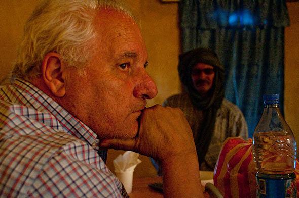 Los saharauis lamentan la muerte de Javier Reverte
