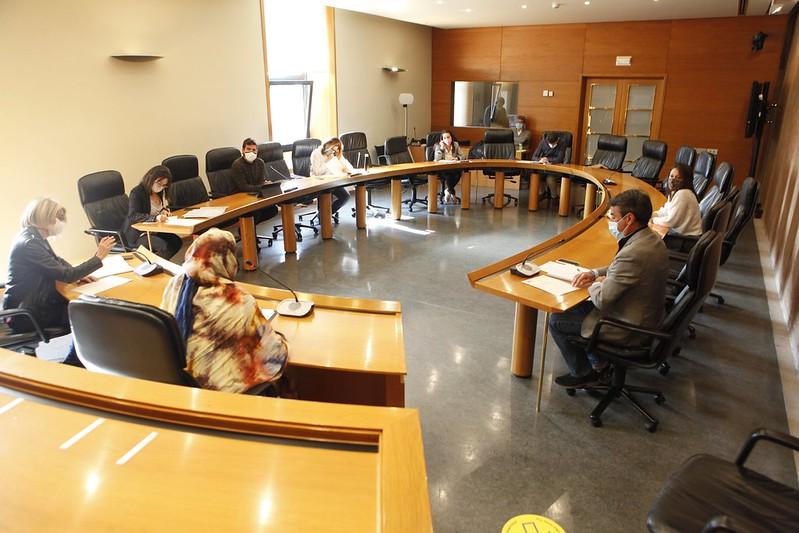 Delegada saharaui expone en las Cortes de Aragón la situación actual en el Sahara Occidental y la decisión del F. Polisario tras la violación del alto el fuego por Marruecos | Sahara Press Service