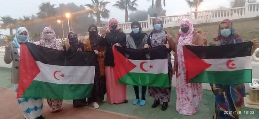 Las jóvenes saharauis estudiantes en Tlemcen (Argelia) se suman a la campaña «El Sáhara No es Marroquí»