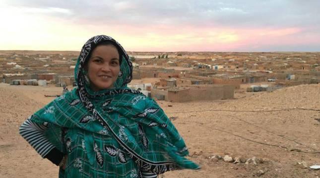 Naanaa Sidati, el viernes 15 de enero a las 17 horas. Detrás, el campamento donde lleva viviendo 30 años.