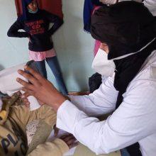 Más material y más revisiones escolares en los campamentos saharauis – Ulls del món