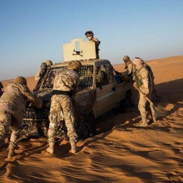 El ejército saharaui auxilia en medio del desierto y le salva la vida a una una unidad militar mauritana