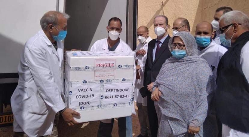Llegan a los campamentos de refugiados saharauis vacunas AstraZeneca contra la COVID-19 donadas por Argelia