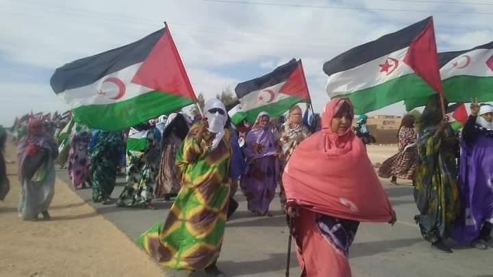 ⚫ EN IMÁGENES: Prosiguen las protestas en los campamentos de refugiados saharauis en repulsa por las violaciones del régimen marroquí en los territorios ocupados