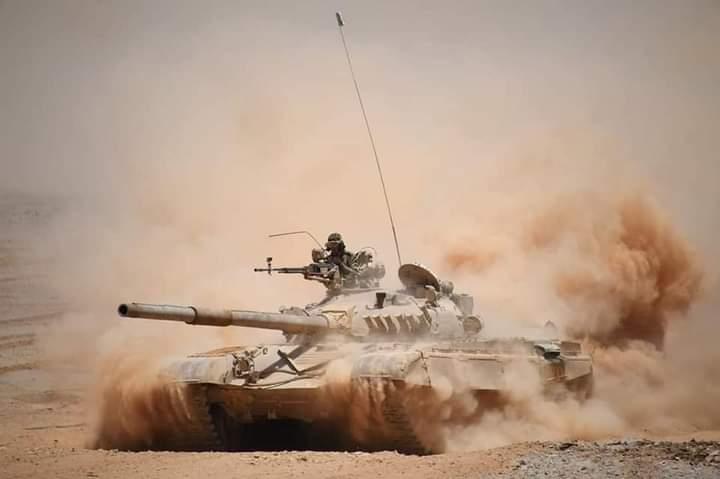 Ejército de Argelia realiza importantes maniobras militares en sus fronteras con Libia y Malí