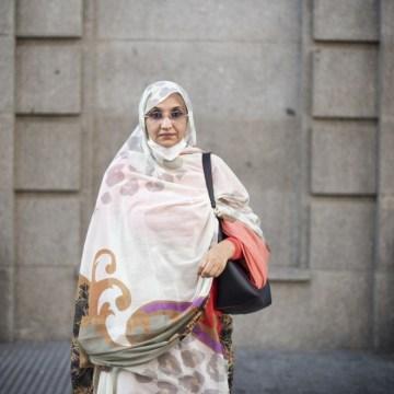 Aminetu Haidar: «Esperamos que el Gobierno español pueda liderar el proceso de descolonización del Sáhara» | Público @JDSato