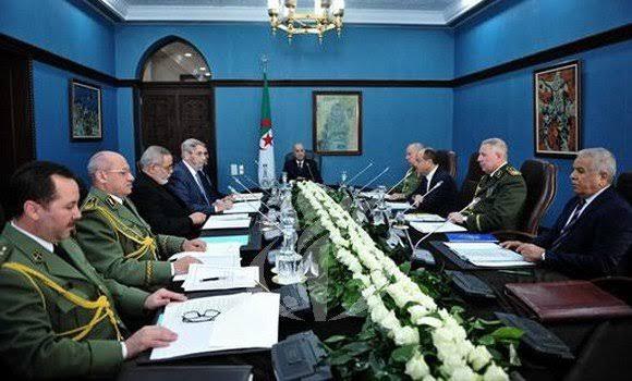 Argelia ordena revisión completa de sus relaciones con Marruecos y declara alerta máxima en las fronteras compartidas